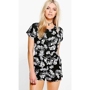 Floral Print Capped Sleeve Playsuit